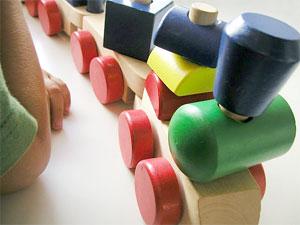 Игрушка деревянный паровозик