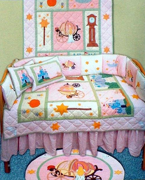Кровать для девочки со сказочным покрывалом