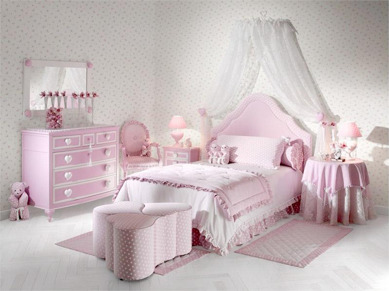 Оформление комнаты для девочки: розовый цвет, сердечки