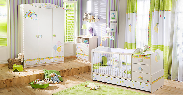 Комната для новорожденной девочки в светло-зеленых тонах