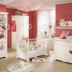 Детская в бело-розовых тонах для новорожденной девочки