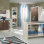 Детская в коричнево-бело-голубых тонах