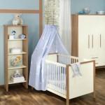 Кроватка для новорожденного с голубым пологом