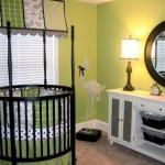 Кроватка-манеж в комнате малыша