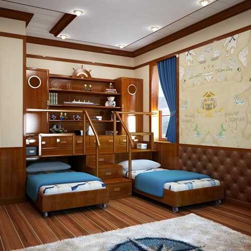 Палуба и выдвижные кровати в комнате для 2 мальчиков