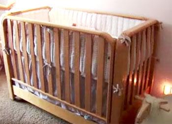 Кроватка с бортиками (бамперами) для новорожденного