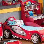 Кровать в виде гоночной машины для мальчика