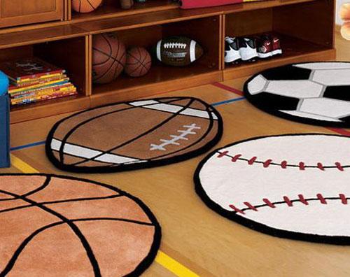 Коврики в форме мячей для детской комнаты в спортивном стиле