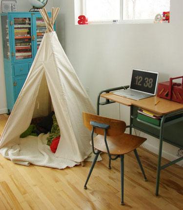 Письменный стол для младших школьников