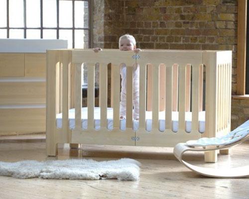 Детская кроватка AlmaMax от фирмы Bloom