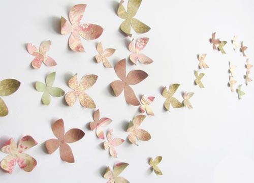 Объемные цветы из бумаги для декора стены