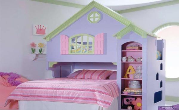 Кровать с изголовьем в виде кукольного дома