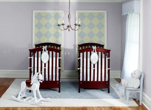 Расположение кроваток в комнате для 2 малышей