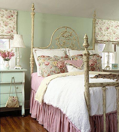 Еще одна кровать для детской в стиле прованс