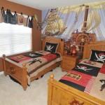 Комната в пиратском стиле для двоих детей
