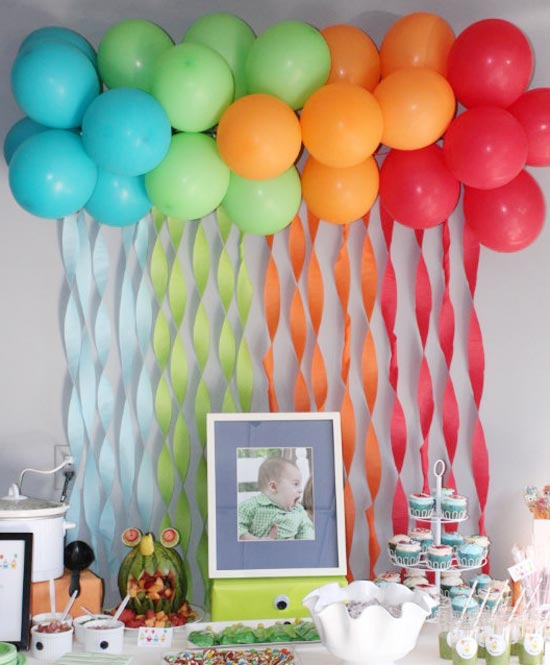 Праздничное украшение детской комнаты шарами