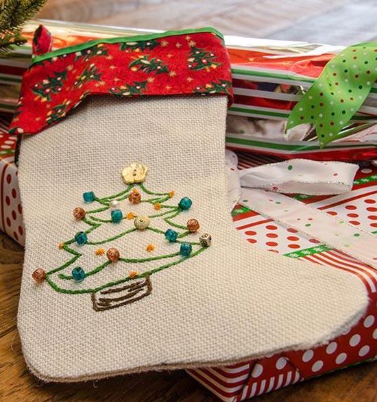 Носок для подарков с вышивкой
