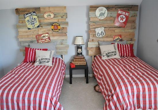Винтажная комната для двух мальчиков в автомобильном стиле