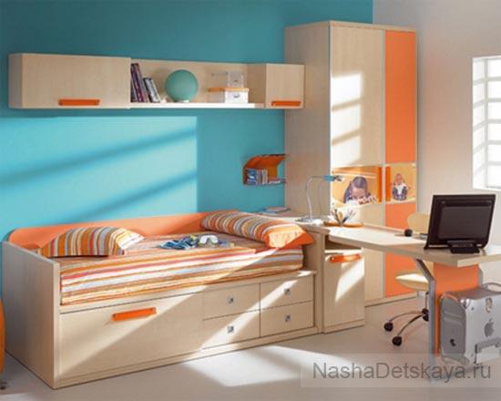 Синий и оранжевый в дизайне комнаты